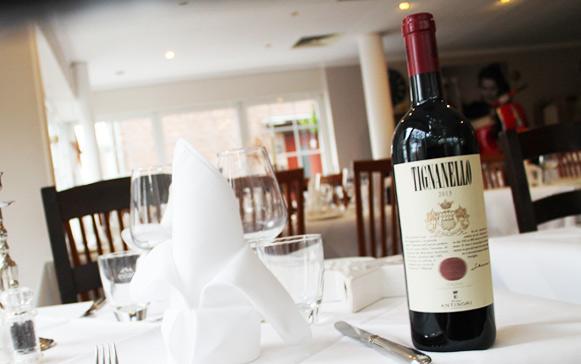 Osteria Restaurant il nido in Köln Rodenkirchen stellt Ihnen Weine aus Italien und Deutschland vor. Für jeden Geschmack ist etwas dabei.